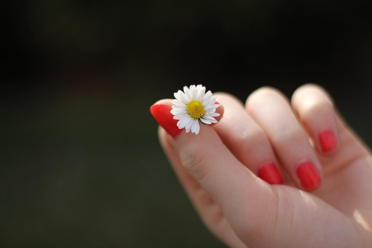 Olio rinforzante unghie fai da te