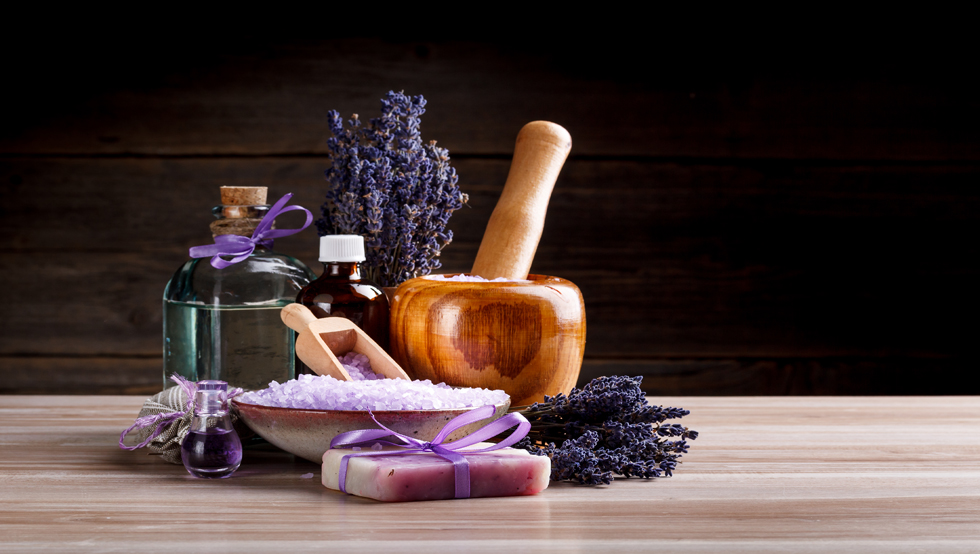 olio essenziale di lavanda uso cosmetico